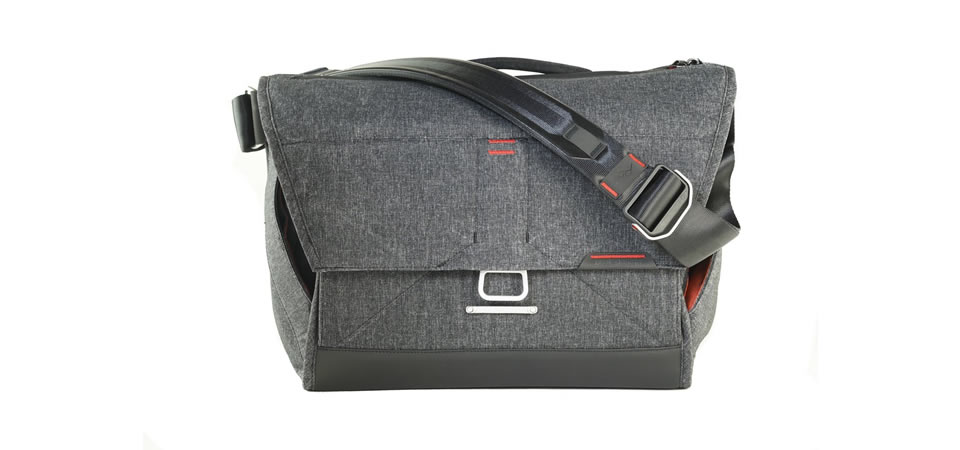 Peak Design Everyday Messenger Bag Christmas Gift for Photographers